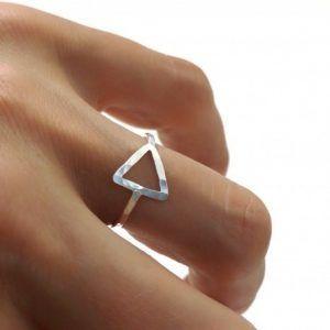 31133-300x300 Anillo triángulo